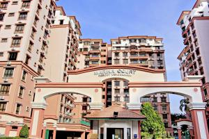 Photo of Marina Court 6 Bedroom Condos@Marina Court Resort Condominium