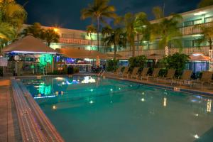 Photo of Ramada Oakland Park Inn