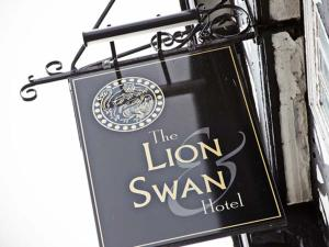 Photo of The Lion And Swan