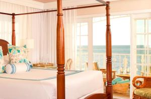 Junior Suite with Partial Ocean View