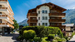 Haus Alpenglück, Apartments  Saas-Fee - big - 19