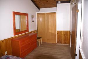 Two-Bedroom Cabin (Cabin 10)