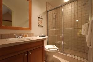 One Bedroom Suite - Ensuite, Lake Placid Lodge