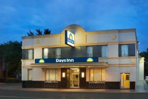 Photo of Days Inn Toronto East Beaches