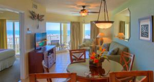 Two-bedroom Suite with Partial Gulf View with Balcony