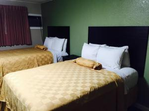 Superior Double Room with Two Double Beds- Smoking
