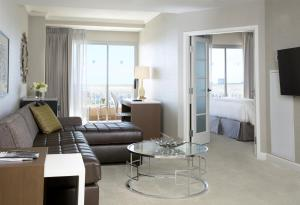 One-Bedroom Executive Suite with Balcony Selected at Check In