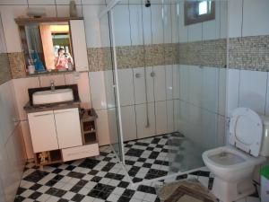 Basic Double Room with Shared Bathroom