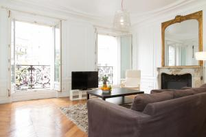 Photo of Private Apartment   Saint Germain   Rennes   185