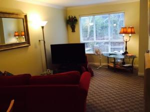 Ocean Breeze Executive Bed and Breakfast, Bed and Breakfasts  North Vancouver - big - 2