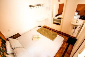 Basic Double or Twin Room with Private Bathroom