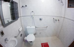 Economy Triple Room with Private Bathroom