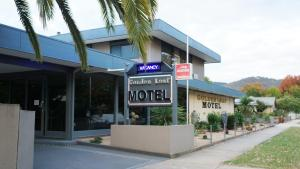 Photo of Golden Leaf Motel