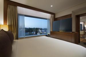 Grand Deluxe Bosphorus Suite with Executive Lounge Access