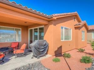 Three-Bedroom Arches Home Steps Away from Clubhouse Pool with Gorgeous Patio View