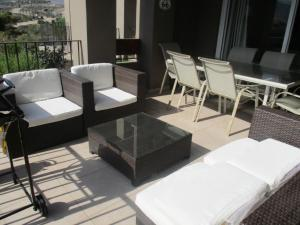 Two-Bedroom Apartment with Sea View (LT024)