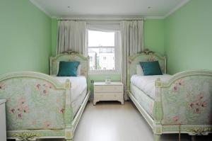Six Bed Family Home Kensington in London, Greater London, England