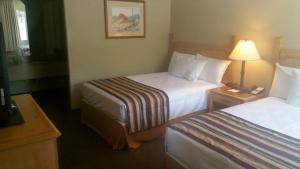 Full Room with Two Full Beds