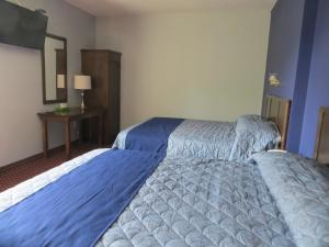 Deluxe Queen Room with Two Queen Beds - Annex (Non-Smoking)
