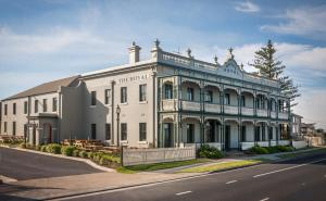 Photo of The Royal Hotel Mornington