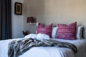 Superior Kamer met Queensize Bed - Pinotage
