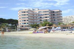 Photo of Apartamentos Calablanca