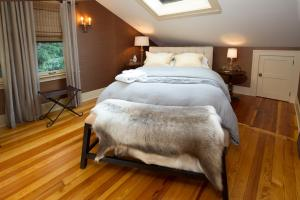 One-Bedroom Cottage with Spa Bath - Clarendon St.