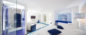 Photo of The White&Blue Suites