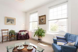 Barons Court Apartment in London, Greater London, England