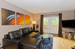 Two-Bedroom Duplex Apartment with Balcony