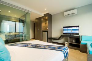 The Blue Hotel, Hotel  Chalong  - big - 33