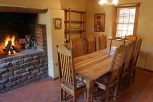 Three-Bedroom Chalet - Bushman Cottage