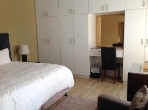 Luxury King or Twin Room 3