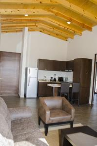Three-Bedroom Villa, (King, Queen and 2 Single beds)