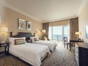 Luxury Twin Room with Sea View