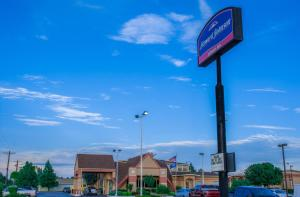 Photo of Howard Johnson Express Oklahoma City