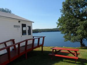 Lakefront Two-Bedroom Cottage