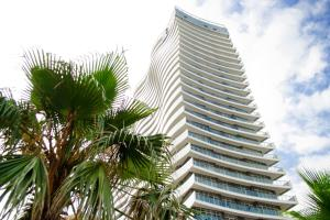 Photo of Batumi White Wave Apartments