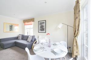 FG Property - Earls Court, Lillie Road in London, Greater London, England