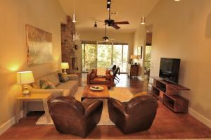 Three-Bedroom Cottage - The Ranch House (3 bedroom)