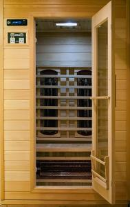 Deluxe Suite with Sauna