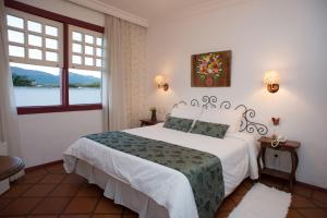 Deluxe Double Room (Air Conditioning, King-size Bed and View)