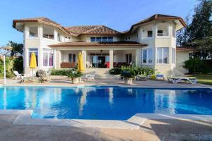 Photo of Villa De La Fiesta With Ocean View