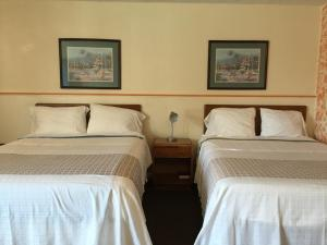 Double Room with Two Double Beds (2 Adults + 2 Children)