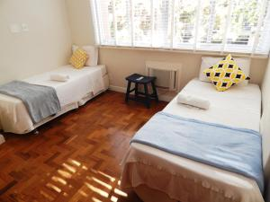 Three-Bedroom Apartment - Cupertino Durao 139