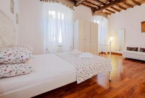 Interno 2 - Woody Apartment - abcRoma.com