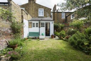 2 Bedroom Victorian House, Vauxhall in London, Greater London, England