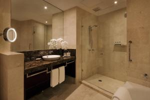 Prestige Club Sofitel King Suite