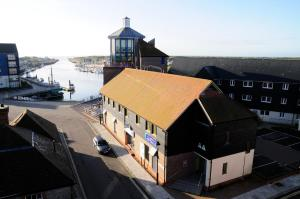 Photo of Yha Littlehampton