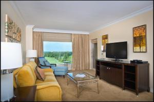 Deluxe Suite with Balcony and Golf View